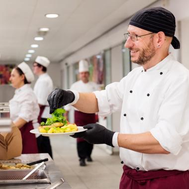 10 Mensen und 17 Cafeterien und Café Lounges gehören zum Zuständigkeitsbereich des Studentenwerks.