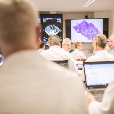 Im Tumorboard wird gemeinsam die optimale Behandlung festgelegt.