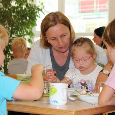 Inklusion von Anfang an unserer Lebenshilfe Nürnberger Land: Drei inklusive Kitas/Krippe, eine Schulvorbereitende Einrichtung (SVE), eine interdisziplinäre  Frühförderung für Säuglinge und ...