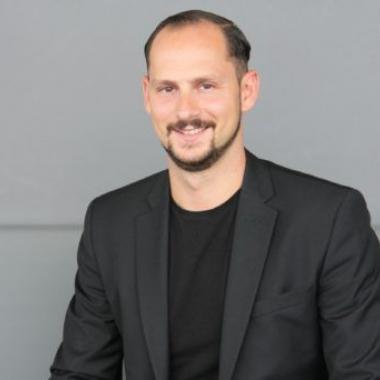 Francesco - Liquid Director für Das Loft Bar & Lounge sowie unser Lobby-Café BAR/terre