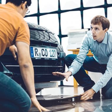 Klaus ist Systemingenieur für Elektromobilität bei Continental.