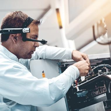 Wir bei Continental haben die ersten Schritte unternommen, um die mit Industrie 4.0 einhergehenden Veränderungen in den Arbeitsalltag umzusetzen.