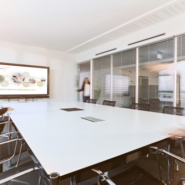 Unsere hellen Besprechungsräume in diversen Größen sind mit der neuesten Technik ausgestattet und bieten die optimale Basis für Besprechungen.
