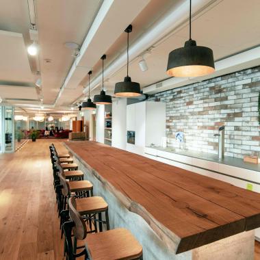 2. Küche / Bar