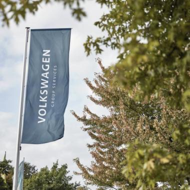 Der Unternehmenssitz ist auf dem InnovationsCampus in Wolfsburg. Bundesweit sind wir an 12 weiteren Standorten vertreten: Braunschweig, Chemnitz, Dresden, Emden, Hannover, Ingolstadt, Kassel, München...