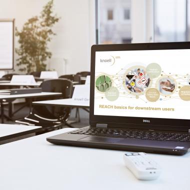 Jeder Mitarbeiter wird am ersten Arbeitstag mit einem Laptop und einem voll eingerichteten Arbeitsplatz ausgestattet.