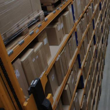 Alle Produkte im Shop stets für unsere Kunden direkt aus dem eigenen Lager bereit zum Versand
