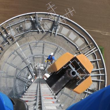 Fernsehturm Lübbeck: Blick von oben auf die Plattform