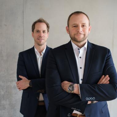 Anwendungen für Auftraggeber der öffentlichen Hand. Der Grundstein für die Geschichte von virtual7 wurde bereits 1996 mit der Gründung der web solution GbR durch Jochen Rieg und Marcus Weiss ...
