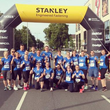 Unsere Kolleginnen und Kollegen starten beim 5. Gießener Stanley Tucker Firmenlauf