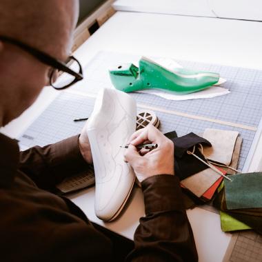 catch cute cheap available LLOYD Shoes als Arbeitgeber: Gehalt, Karriere, Benefits | kununu