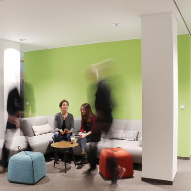 Hübsche Sitzecken für Auszeit oder Meetings