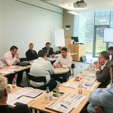 Ausbildung im Trainings-FORUM durch langjährige Top-Berater