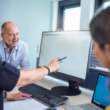 Der interne Bereich betreut die unternehmenseigene IT-Infrastruktur, kümmert sich um das Personalwesen, rekrutiert neue Kollegen und sorgt für eine gute Außendarstellung. Außerdem befasst sich der...
