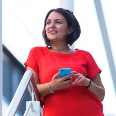 Julia leitet bei Bosch die Gruppe Mobile Solutions Europe. Mit ihrem Team entwickelt sie Apps, die das Smartphone zum Allrounder machen. Voraussetzung für ihren Erfolg sind Vielfalt von Kulturen und ...