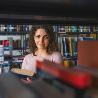 Mehr als 65.000 Forscher/-innen und Entwickler/-innen arbeiten weltweit bei Bosch. Eine von ihnen ist Patricia Haremski. Die Physikerin nimmt am Bosch Doktorandenprogramm teil. Ziel ihrer Forschung: ...