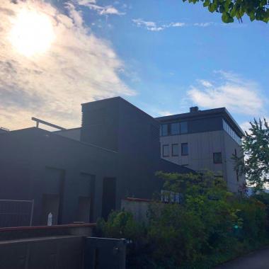 Unsere Hauptniederlassung in Darmstadt hat im Oktober 2019 die neuen Räumlichkeiten in der Hilpertstraße 12 bezogen.