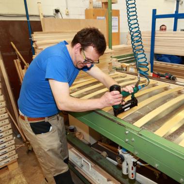 Lattenrostfertigung in unserer Holzverarbeitung