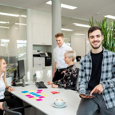Als Kaufmann für Marketingkommunikation (m/w/d) ist Kreativität, Teamwork und Organisationstalent gefragt!