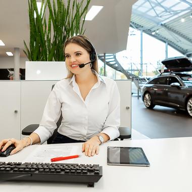 Als Automobilkaufmann (m/w/d) bist Du in allen Bereichen des Autohauses eingesetzt