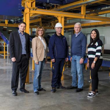 Unseren Mitarbeitern bieten wir Jobs mit langfristiger Perspektive, attraktive Zusatzleistungen und eine partnerschaftliche Zusammenarbeit.