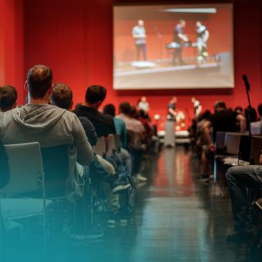 Eine schöne Tradition: Immer im September findet unser jährliches Firmen Barcamp statt, zu dem jeder Mitarbeiter Sessions einreichen und somit sein Wissen teilen kann.