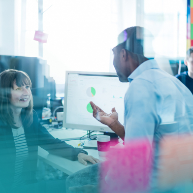Unsere flexiblen Arbeitswelten mit Think Tanks, Chill-Out-Räumen und einer Bibliothek bieten unseren Mitarbeitern genügend Freiräume um kreativ, aber auch konzetriert zu arbeiten.