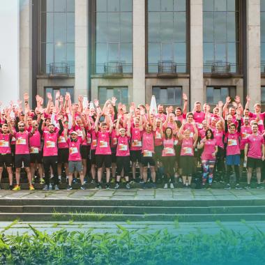 Sportlich sind wir auch! Jedes Jahr nehmen wir an der Rewe Team Challenge, den Firmenlauf in Dresden, statt - und sind immer eins der Teilnehmerstärksten Teams!