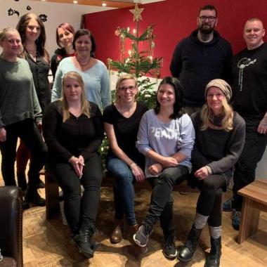 Kollegen aus den therapeutischen Einrichtungen TWIST und Phoenix---das Motiv zur diesjährigen Weihnachtskarte :-)