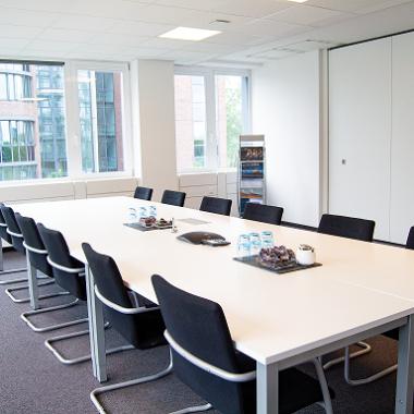 Einer unserer Konferenzräume für größere Meetings oder Meetings mit externen Personen