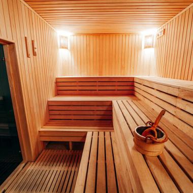 Der Kopf qualmt? Ab in unsere Sauna zum Entspannen und Kraft tanken.