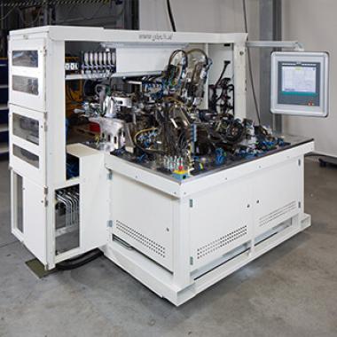 Handling und Robotik Das automatisierte Bewegen von Bauteilen stellt einen wesentlichen Faktor in den Produktionsprozessen von heute dar.