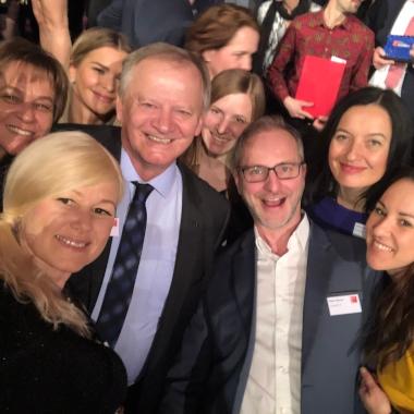 Selfie von der Verleihungsfeier der Great Place to Work-Auszeichnung. Wir freuen uns sehr!