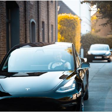 Inwerk Elektro-Firmenfahrzeuge Tesla