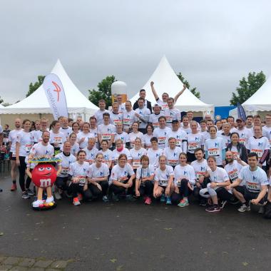 Gemeinsam nehmen wir an sportlichen Wettbewerben teil, wie hier beim B2Run in Bremen.