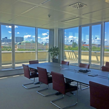 unser Board Room in Wien mit Aussicht auf das Belvedere