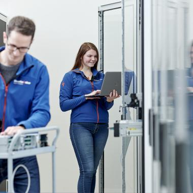 Digitales Netze, digitale Kraftwerke - mit über 100 Mitarbeiter allein in der IT einer der innovativsten Arbeitgeber in der Region