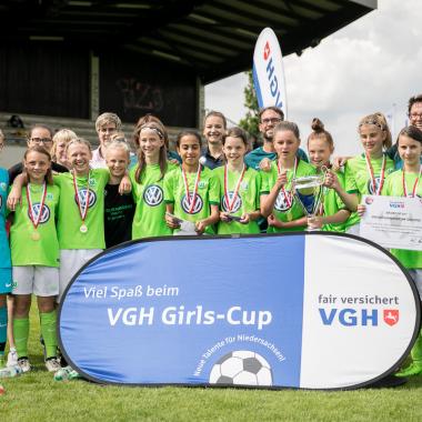 ...sowie mit dem VGH Girls-Cup beim Juniorinnen-Fußball.