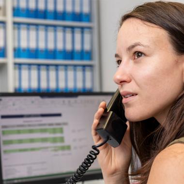Wir bieten feste telefonische Servicezeiten