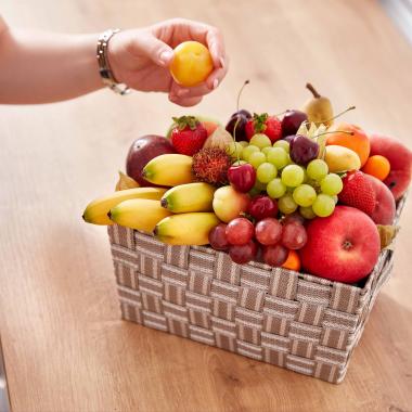 Benefits   Gesundheit: Jede Abteilung darf sich wöchentlich über zwei Bio Obst- und Gemüsekörbe freuen. Außerdem sorgt das Angebot an betriebsinternen Sportaktivitäten für den idealen Ausgleich...