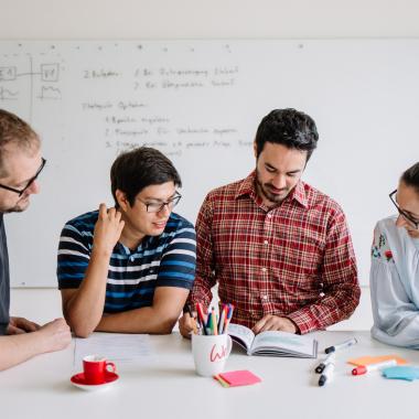 Im Team bündeln wir unsere Kreativität. Bei der Potenzialentfaltung unterstützt unsere CAS Akademie.
