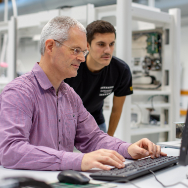 Biologie trifft Technik! Für die Automatisierung von Laborprozessen entwickeln wir hochspezialisierte Voll- und Halbautomaten für die moderne Diagnostik.