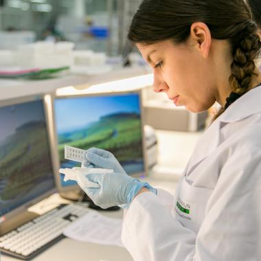 Mit Fachwissen und kreativen Ideen können Naturwissenschaftler bei EUROIMMUN ihr Know-how einbringen, um erfolgreiche Produkte zu entwickeln und am Weltmarkt zu etablieren.