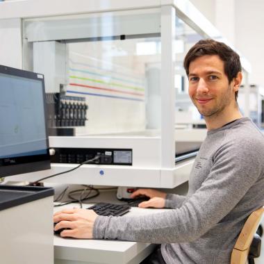 Unsere Informatiker kümmern sich um das clevere System unter der Haube - die Embedded Software sorgt dafür, dass alle Bauteile sinnvoll zusammen arbeiten und miteinander kommunizieren.