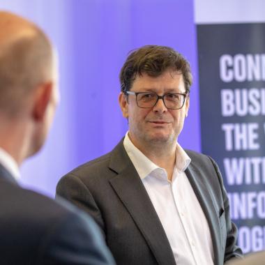 Martin Hager eröffnet den Standort Erfurt mit Minister Wolfgang Tiefensee