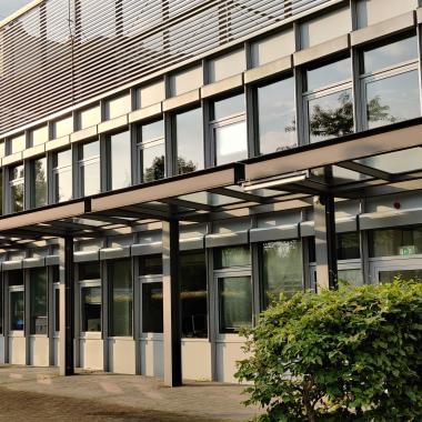 Außenansicht Gebäude in Hannover auf dem Campus der Finanz Informatik