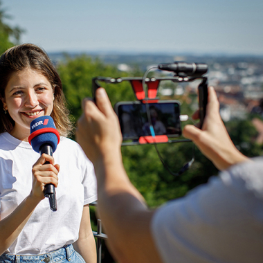 WDR Volontärin, Foto: WDR/Michael Schwettmann