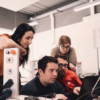 SRH Technological Education Center Intelligente Technik braucht schlaue Köpfe