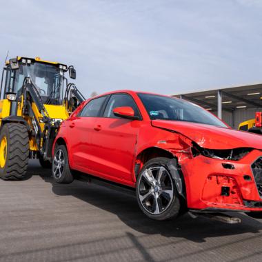 Transport eines Unfallwagens