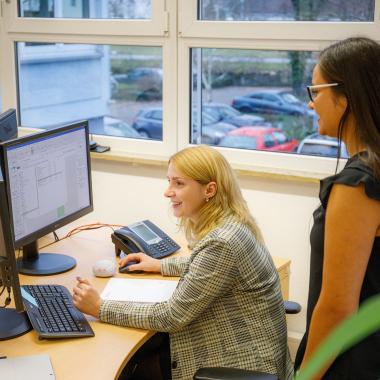 Frauenpower beim Projektmanagement.
